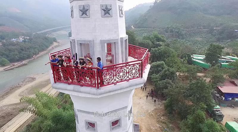Cột Cờ Lũng Pô 2