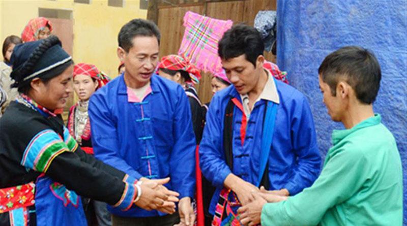 Người Phù Lá Tỉnh Lào Cai 1