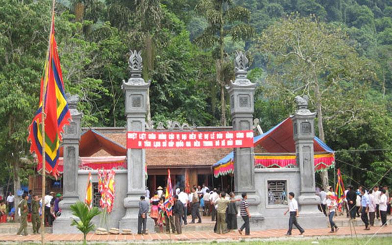 Đền Trung Đô Lào Cai