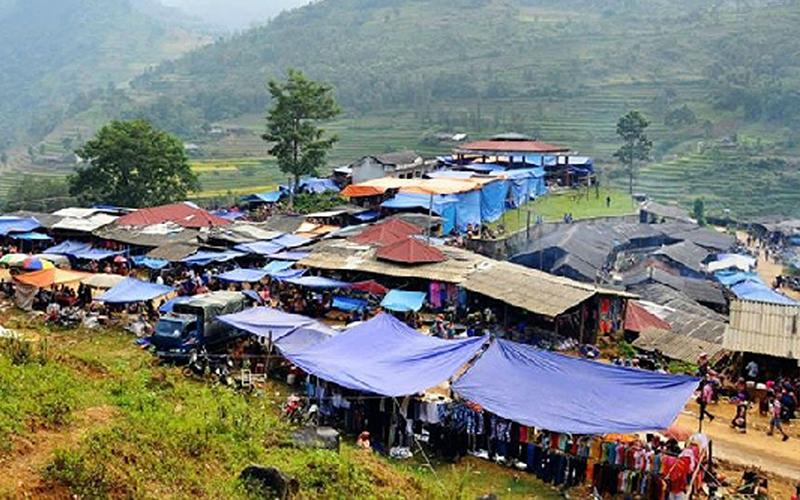 Chợ Phiên Lùng Khấu Nhin Lào Cai