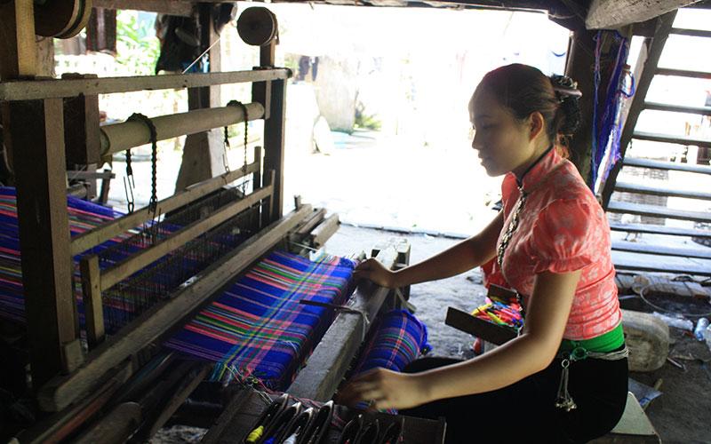 Vải Thổ Cẩm Của Đồng Bào Các Dân Tộc Tại Lào Cai